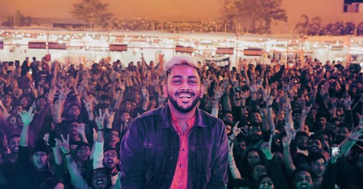 Who are still hungover with the epic banger of a set by RITVIZ?? @vizdumb madness was a fantastic site to witness.. . . . . #weekendwindow #theFLEAstival #fleamarket #music #shopping #food #excitement #happiness #windowtohappiness #musiclove