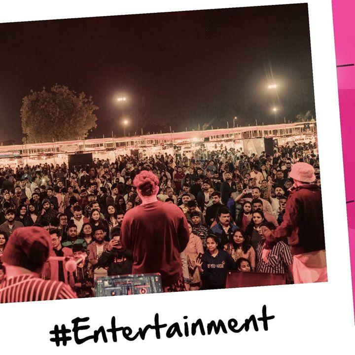 Bop. Skip. Sing. ➡️  Pop. Shop. Bling. Witness the best of entertainment - art, music, comedy @WeekendWindow.  Bookings for #WeekendWindow 17 open now!  Gujarat's biggest fleastival awaits you. Come, #ExploreTheWeekend #Weekend #HappyVibes #Vibes #entertainment #Music #Fun