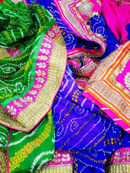 Anonymous Designer Wear have beautiful collection of designer sarees, blouses and ethnic wear accessories. It is ultimate destination for Fashionable ethnic women's clothes.  Visit them at : Weekend Window during 27-29 December 2013, 4 PM to Midnight.