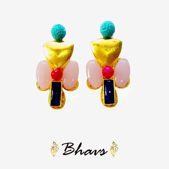 Hand-crafted jewellery for an everlasting impact. A wide range of Statement pieces for a perfect Ensemble!  Coming on board with us for the 5th time, we are super excited to have our very own 'Bhavs' Customized Jewellery at Weekend Window from 4pm to midnight at YMCA from 15th to 17th May.  Cheers! Stay Creative!  Team WW