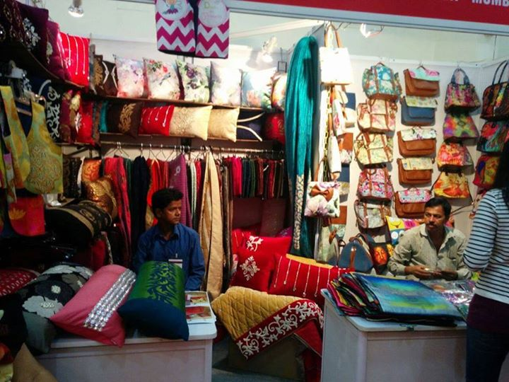 Fun & Filmy. Quirky & Innovative. Shor Sharaba offers bags, wallets and accessories! Make some SHOR Oye!  Come and Grab from Shor Sharaba at Weekend Window on 31st oct & 1st nov from 4pm to midnight at Kabir farms, Vadodara.  Cheers! Stay Creative! Team WW